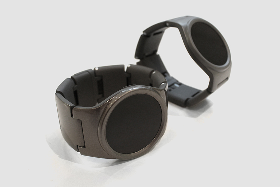 2 sets of blocks watches in chrome and grey finishes